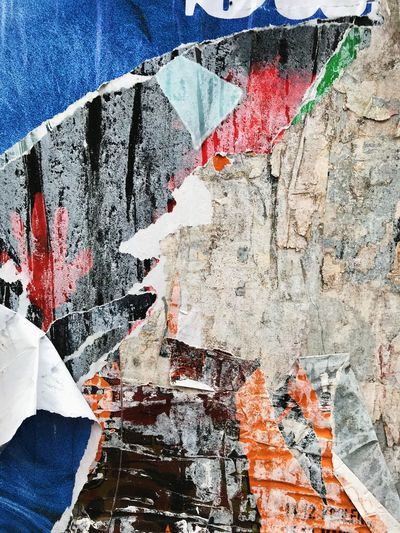 One Person Real People Outdoors Paint Human Body Part Architecture Day Men Human Hand Close-up One Man Only People Adult Blue Paper White Color Multi Colored Rough City Backgrounds Textured  Berlin Photography Berlin No People Built Structure