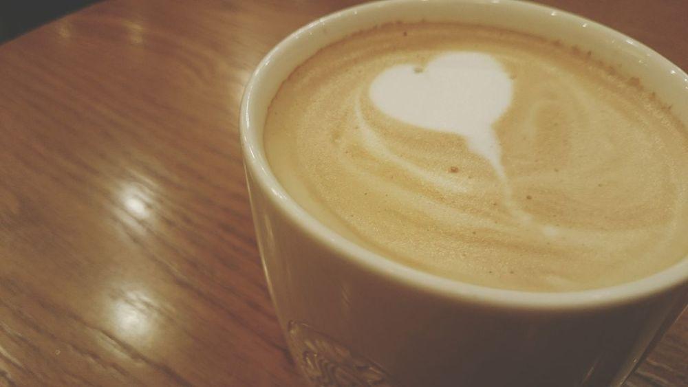 スタバ くずはモール In 枚方市 Starbuckscoffeeくずはモール店大切な事は目に見えない。