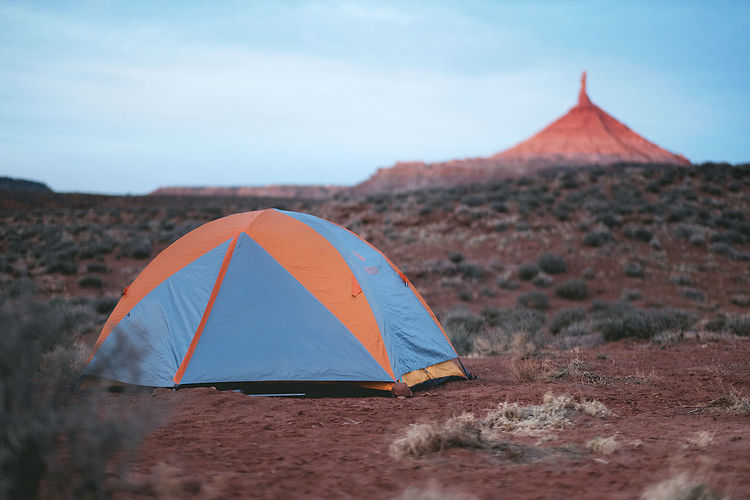 Utah has some of the best tent camping there is! This spot is just outside Canyonlands National Park. Camping Tent Desert Rock Formation Utah Scenery Outdoors Campsite Remote Wilderness Sky Mountain Landscape Beauty In Nature Scenics - Nature Land Environment No People Day Tranquility Nature EyeEmNewHere