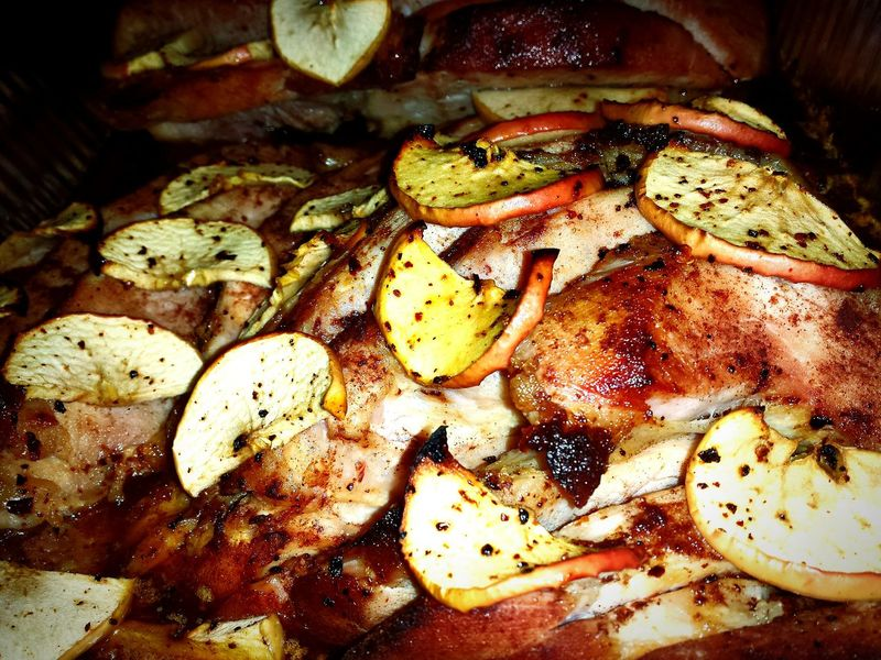 Jamon canela con manzana....spicy.. a ver que tal. De entrada huele bien at New Years Eve Dinner