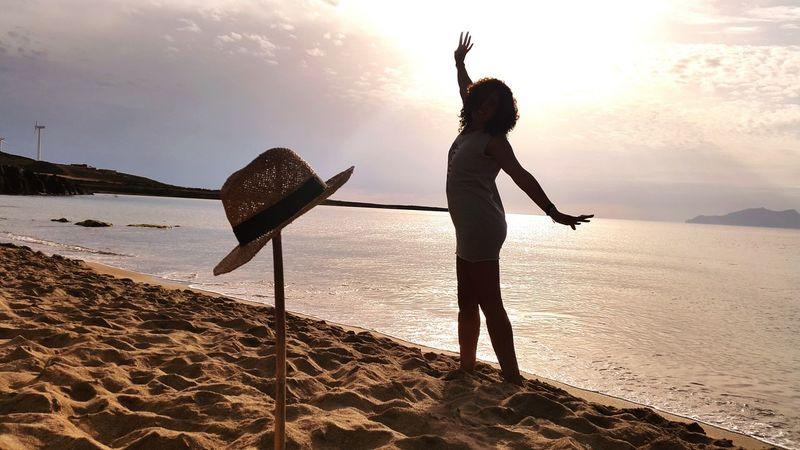 Sun Sea Silouette & Sky Silouhette Silouette And Shadows Hat Enjoying Life