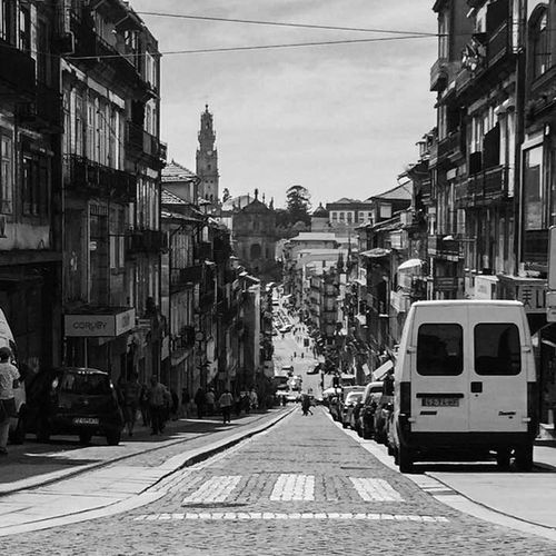 Ville côtière - Porto - Portugal Black & White EyeEmNewHere Memories Old Town The Street Photographer - 2018 EyeEm Awards Travel Photography Architecture Blackandwhite Bnw Bnwphotography Building Building Exterior Built Structure Car City Day Mode Of Transportation Old Buildings Street Streetphoto_bw Streetphotography The Way Forward Transportation Travelphotography Voyage The Street Photographer - 2018 EyeEm Awards EyeEmNewHere