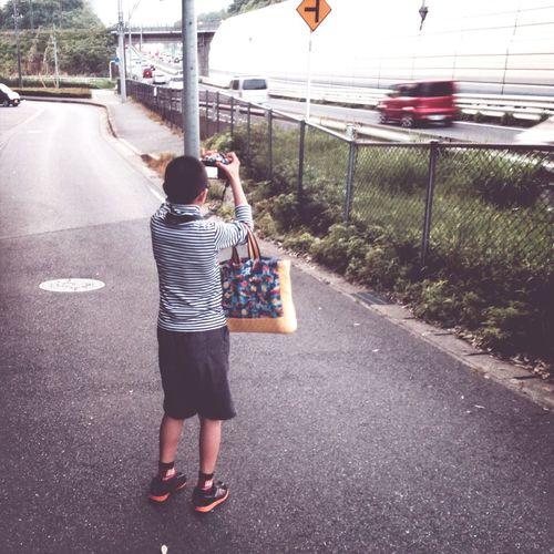 Walking Japan Akiphoto Enjoying Life 手提げには何故か ノートと筆箱が?絵でも描くのか?いや一度も取り出しません( ̄▽ ̄)