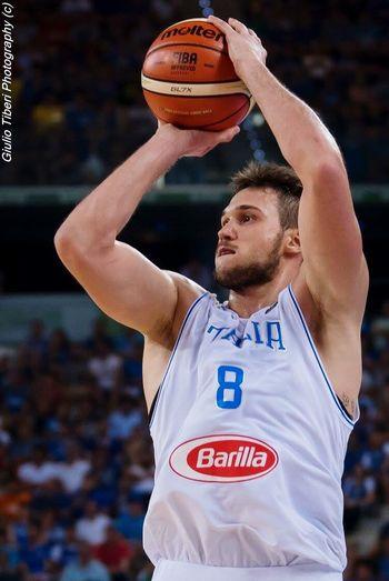 Danilo Gallinari in azione contro il Messico nella semifinale del preolimpico di basket di Torino. First Eyeem Photo Basket Basketball Preolimpico Torino