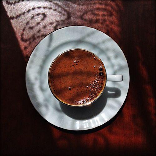 Turkishcoffee Coffee Time Dark Hellosunshine 🙋🏽☕️💞😋kimsenin senin yanında görünmesine güvenme;karşına geçmesi için bir adım, düşman olması için bir lafın yeter!..😒📝