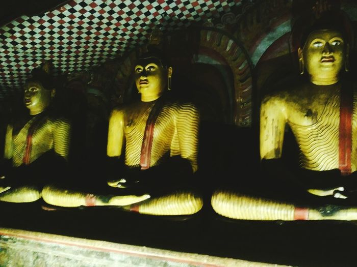 Buddhas Religion Unesco World Heritage Rock Asian Culture Landmark Monument Statue Travel Architecture Traveling Travel Destinations Exoticism Golden Cave Shadow UNESCO World Heritage Site Unesco Sri Lanka Ceylon Asian  ASIA Exotic Heritage Buddhism Buddha Buddha Statue Buddhist Temple Yellow Sculpture Place Of Worship