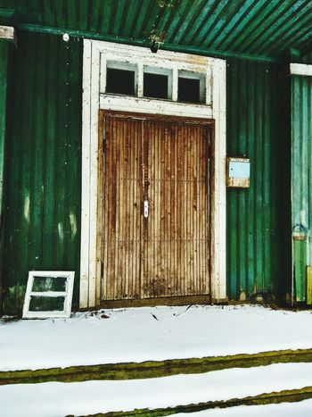 Door Green Color No People Outdoors Snow Built Structure Architecture