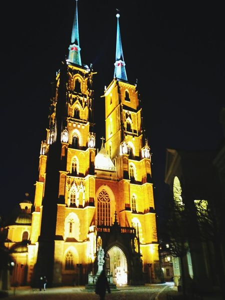 Tower Night Religion City Cultures Building Exterior Place Of Worship Wrocław Poland 💗 City