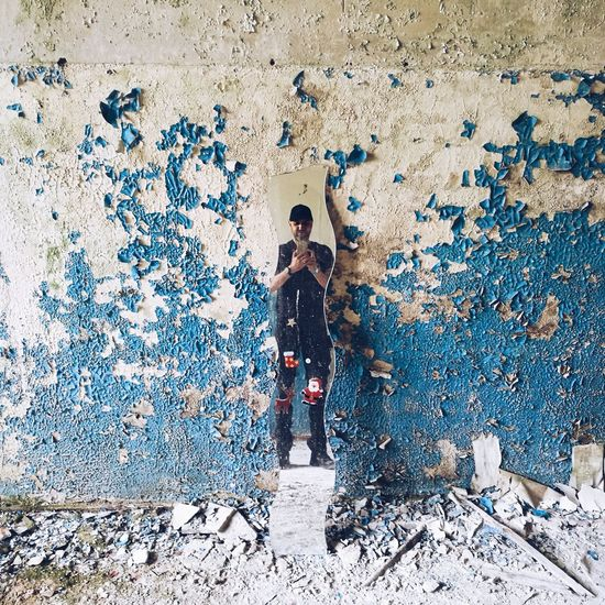 EyeEmNewHere Abandoned Lostplacephotography Lostplaces Mirrror Full Length Standing Architecture Painted Visual Creativity The Photojournalist - 2018 EyeEm Awards The Portraitist - 2018 EyeEm Awards The Creative - 2018 EyeEm Awards