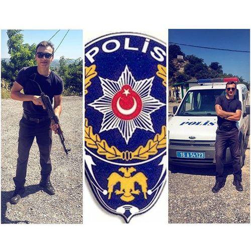 Policeofficer Policecar AK47 Pöh Kalashnikov