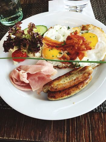 Frühstück Breakfast Brunch Eggs Eier Bacon Speck Sausage Visual Feast