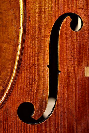 Close-up Day Indoors  Music Musical Instrument No People Table Violin Violin <3 Violin My Love Violine  Violinist Violino Violins Wood - Material