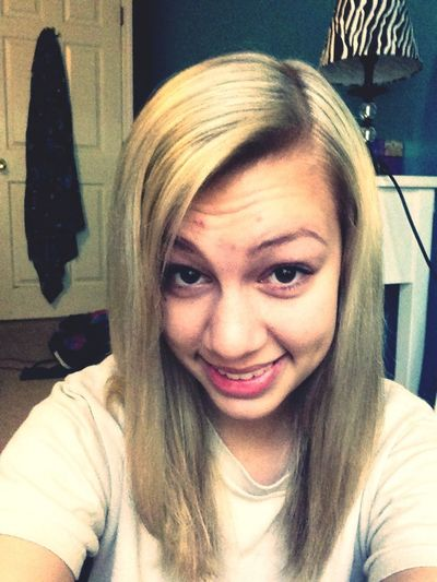 My New Hair! Its So Blonde!!