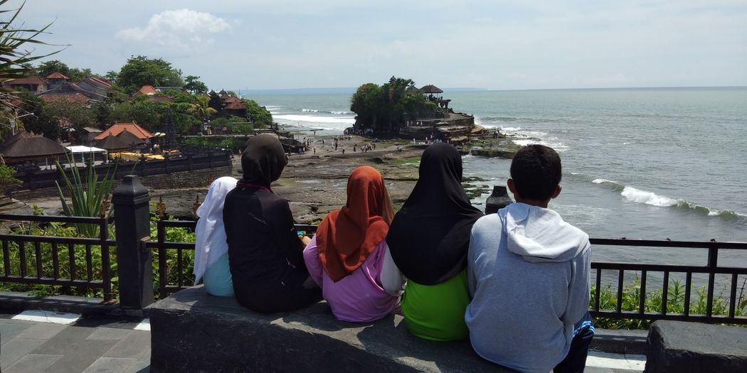 Water Men Women Sea Togetherness Standing Friendship Young Women Sky Horizon Over Water Wave Coast Observation Point Moments Of Happiness