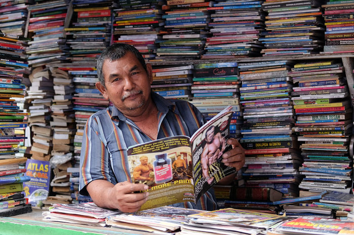 Man Books Library Store First Eyeem Photo Portrait Of A Man  People Market One Man Only Small Business One Person Streetphotography Working INDONESIA Medan Medan Indonesia Medan City