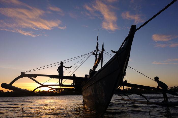 Bago Bago Tree Bago River Bantayan Park Boat Eyeem Philippines Mode Of Transport Nautical Vessel Negros Island Negros Occidental Transportation Travel Way Of Life Children Playground Playing Street Photography EyeEm Gallery