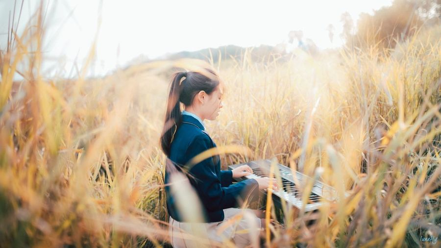 Lifestyles Film Photography Sunshine Foto Young Adult Beauty Portrait Piano