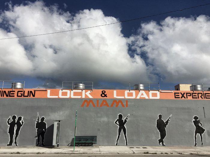 Sillouette Wall Graffiti