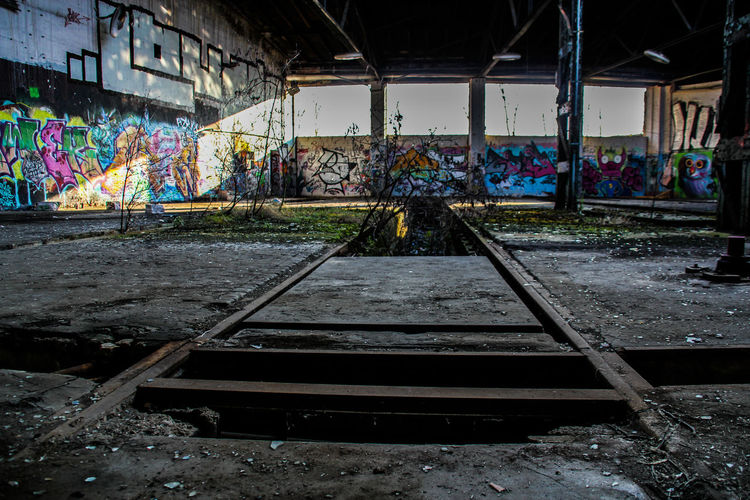 Leipzig Architecture Bahnbetriebswerk Day Graffiti Lost Places In Leipzig Lostplace Lostplaces No People Outdoors