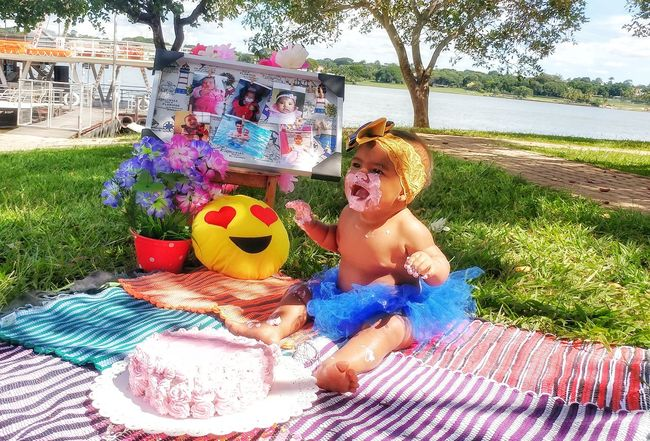 e hora de carnaval.... Baby LGG5 Babygirl Carnaval Day Outdoors Childhood Real People Tree Happiness Shadow Multi Colored