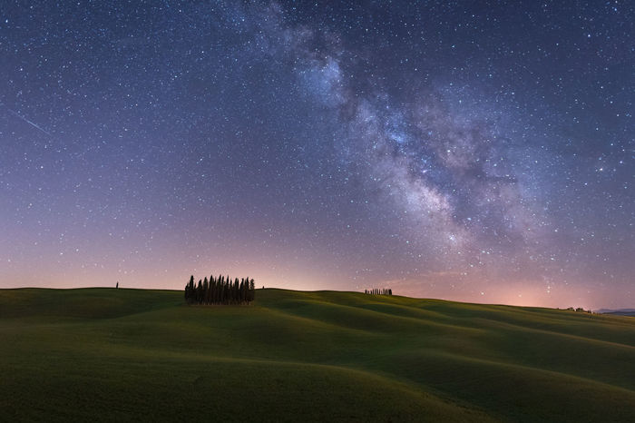 A starry night in Val d'Orcia EyeEm EyeEm Best Edits EyeEm Best Shots EyeEm Gallery EyeEm Nature Lover EyeEmBestPics EyeEmNewHere Italy Landscape Landscape_Collection Landscape_photography Milky Way Nature Nature Photography Nature_collection Night Nightphotography Outdoors Stara The Great Outdoors - 2017 EyeEm Awards Tranquil Scene Tranquility Travel Travel Destinations Tuscany Perspectives On Nature