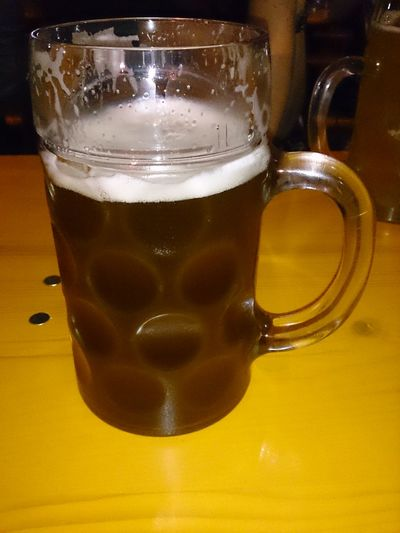 Tomando una Jarra De Cerveza en la Fiesta De La Cerveza en las Fiestas Del Pilar en Zaragoza