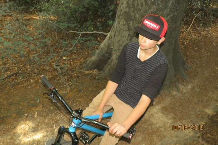 Fresh Check This Out Dirtbike Sram Leafcycles Rockshox Bike Forest Enjoying Life