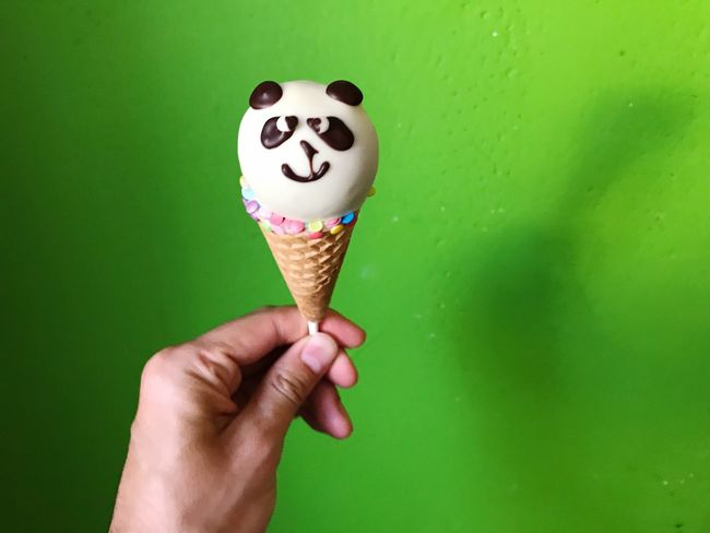 Cakepop Cakepops Bear Panda Sweet Food Food And Drink Dessert Human Hand Food Holding Human Body Part Dessert Ice Cream Cone Unhealthy Eating Frozen Sweet Food