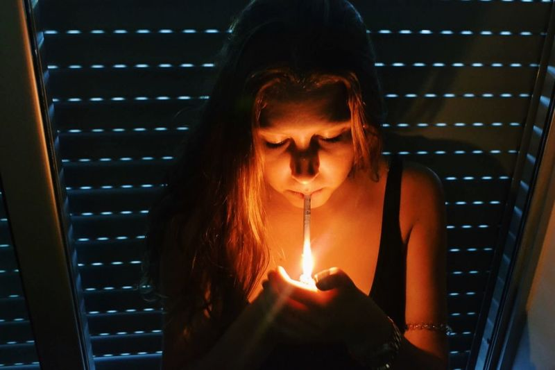 Margarida CreativePhotographer Fine Art Photography Creative Photography Lights Light Girl Smoking Ciggarette Lighter Smokingkills Smokegirl