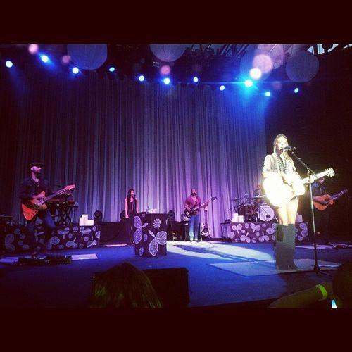 Still can't believe it. Colbiecaillat Coco Ocfair Concert live pit