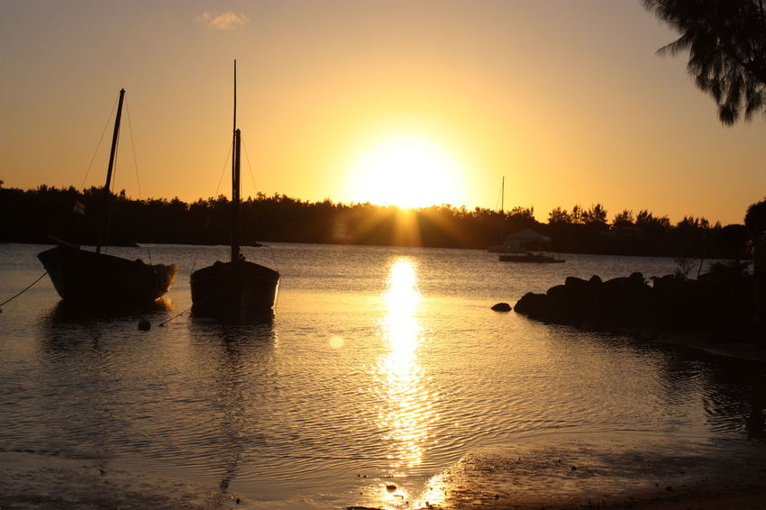 Mauritius Sunset Reflection Water Lake Silhouette Orange Color Sun