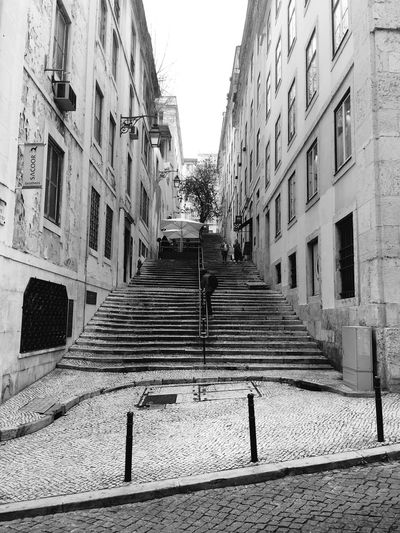 Portugal Shootermag Open Edit Streetphotography EyeEm Best Shots EyeEm Best Edits EyeEm Masterclass Black & White Black And White Blackandwhite Photography Blackandwhite Urban Geometry Perspective Lisbon