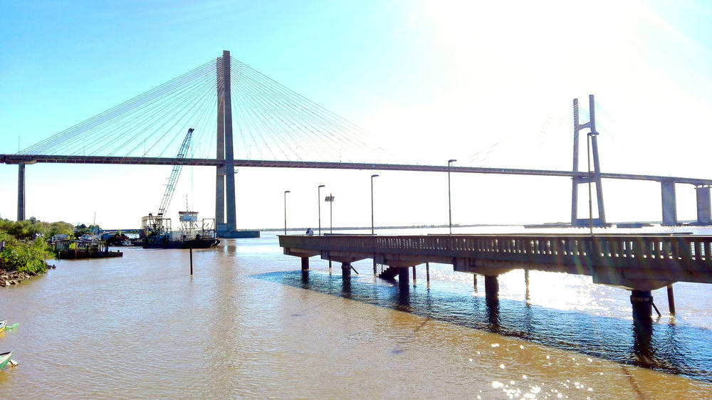 Sunny Rio Paraná Rosario Argentina Rio Paraná♥ First Eyeem Photo Argentina Photography Phoneography PhonePhotography Hello World Water Huawei P8 Lite Tranquil Scene Rosario Arquitecture City No People Architecture Beauty In Nature Horizon Over Water Puente Rosario Victoria Puente Built Structure Transportation