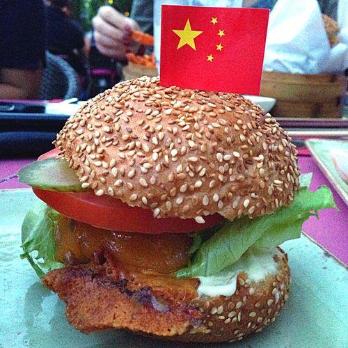 Food Porn Awards the hong kong burger ❤️