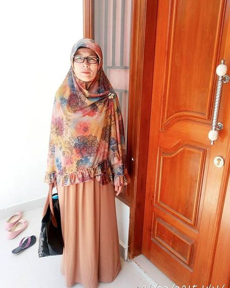 Only mothers who can think about the future, because it is they who gave brith to the future within their children. Our dear mother and your name will always be in the hearts and heartbeat. Thank you mom everythinh😘😘😘😍😍😊💖💖💖 Mom 22 Happymothersday Sayangmama LoveuMom Everything