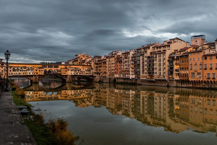 Cloudy Sunset Lights Florence Ponte Vecchio Arno  Reflection Old City Building Cityscape City Water Old Town Bridge - Man Made Structure Sky Architecture