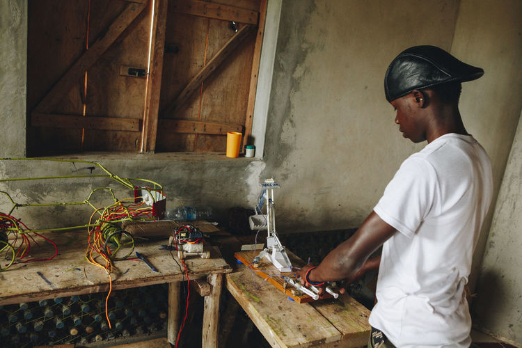 Africa African Design Education Engineer Engineering EngineeringStudent Entrepreneur Entrepreneurship Hydrolic Mechanical Mechanical Engineering Mechanics Mpigi One Man Only One Person Pneumatic Real People Robotics Sina Skill  Tech Technology Working Workshop