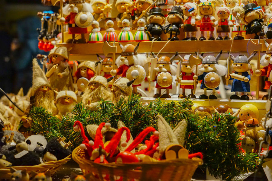 Representation Choice Retail  Decoration Variation Art And Craft Christmas Creativity For Sale No People Indoors  Abundance Human Representation Large Group Of Objects Market Figurine  Holiday Toy Sale Christmas Ornament Retail Display