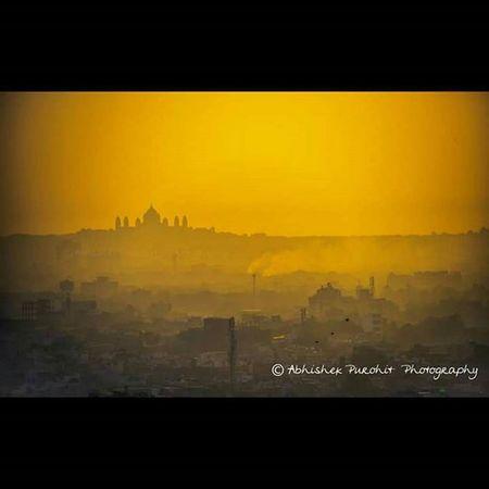 Jodhpur's taj mahal silhouette and cityscape clicked during magical morning golden hours.Photographie  Igersjaipur Gioneeshutterbugs Jodhpur Travel Concept Jodhpuri Knowledge Learn Learning India Indian Rajasthan Like4like Igersjodhpur Picoftheday GoldenHours Morning Pic hours Silhoute umaid bhawan Cityscape