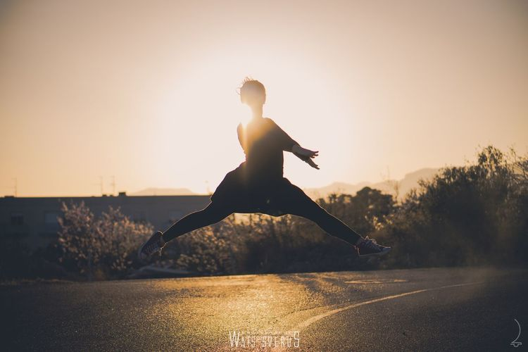 flying Catalunia Life Dancing Ballerina Art Artist Dance Dancer Photography Dancers Ballet DanceRecital Danceshoes Outdoor Goldenhour Workout Cheer Jump Choreography Flexibility Photooftheday Love EyeEm Selects Sunset Motion One Woman Only Only Women One Person Adult Activity